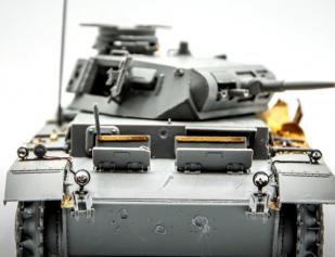 Модель танка Т-III E. Сборка, нанесение повреждений от снарядов