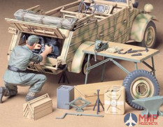 35220 Tamiya 1/35 Ремонтная бригада German kubelwagen engine maintenance set