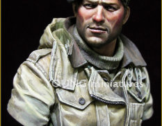 YM1835 Young Miniatures 1/10 British Tank Crew WWII