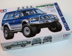 24124 Tamiya 1/24 Mitsubishi Montero w/Sports Options