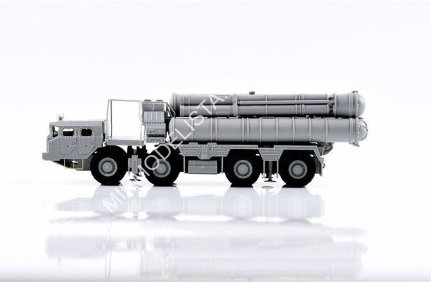 UA72114  ЗРК  Russian S-400 Missile Launcher early type  (1:72)