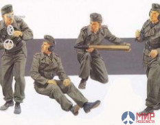 6367 Dragon 1/35 Солдаты German SPG crew