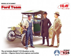ICM 1/24 24007 Team Ford, a set of figures and the Model T 1913 Roadster